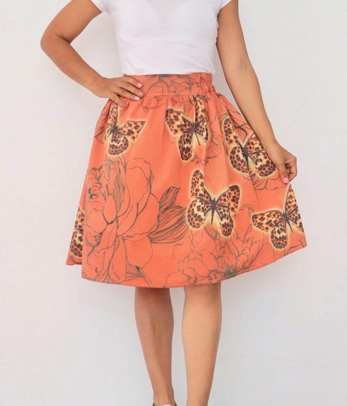Falda Talla S corte A mariposa Pecosa